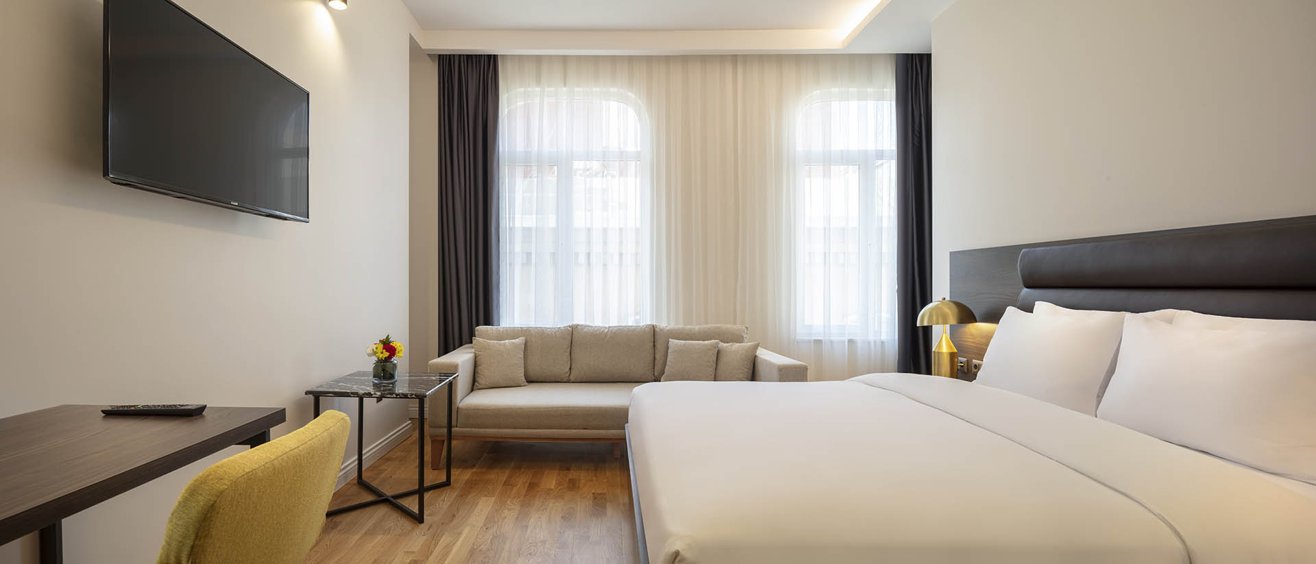 Delux-guest-Room1-1